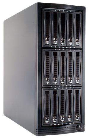 Хранилище на 15 HDD - все они работают вертикально на ребре