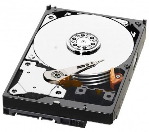 Принцип работы HDD - движущиеся головки считывают с вращающихся блинов информацию